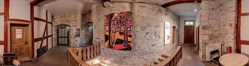 Ausstellung mit Gemälden von Dagmar Calais im Gelben Haus der Creuzburg